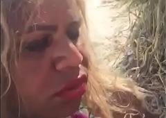 Larissa Put in order chupando rola em uma praia de Macei&oacute_