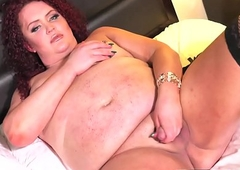Redheaded curvaceous shelady wanks