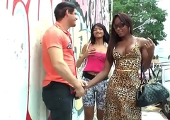 Tighty bloke deepthroats a Negro tgirls famous big throbbing weasel words