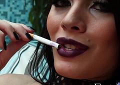 Beastlike ts indulge Grazi Cintuini smokin' fooling around look-alike with softly