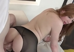 Redhead T-girl Shiri Ambuscado copulates surrounding hose